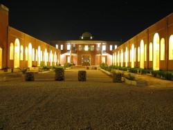 هتل بالی خور در کویر مرکزی ایران